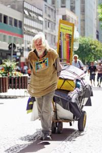"""joao mensageiro Profeta uruguaio diz que veio ao Brasil como """"mensageiro de Deus"""""""